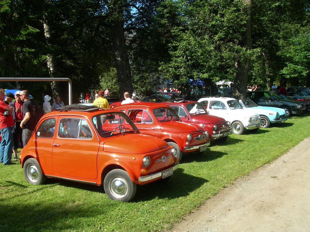 old Fiat 500's around too.